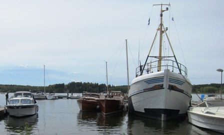 Träbåtarna söker skydd hos Traktor Lasse-