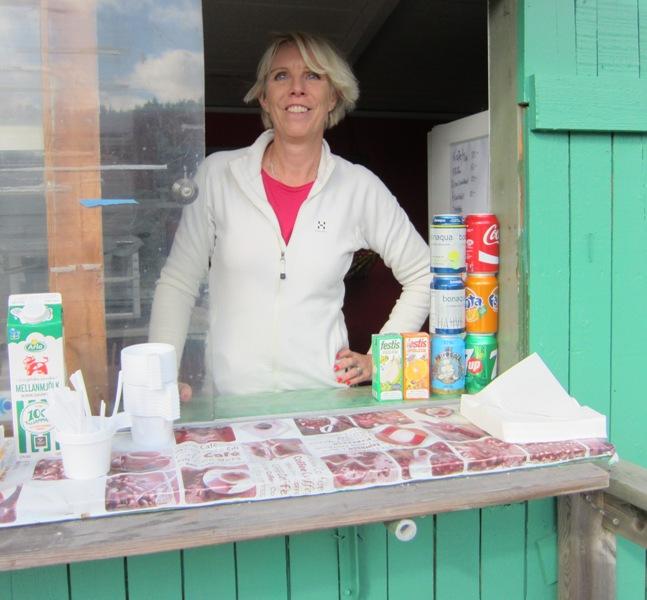 Monica i det ny öppnade kafe Sjöhagen!